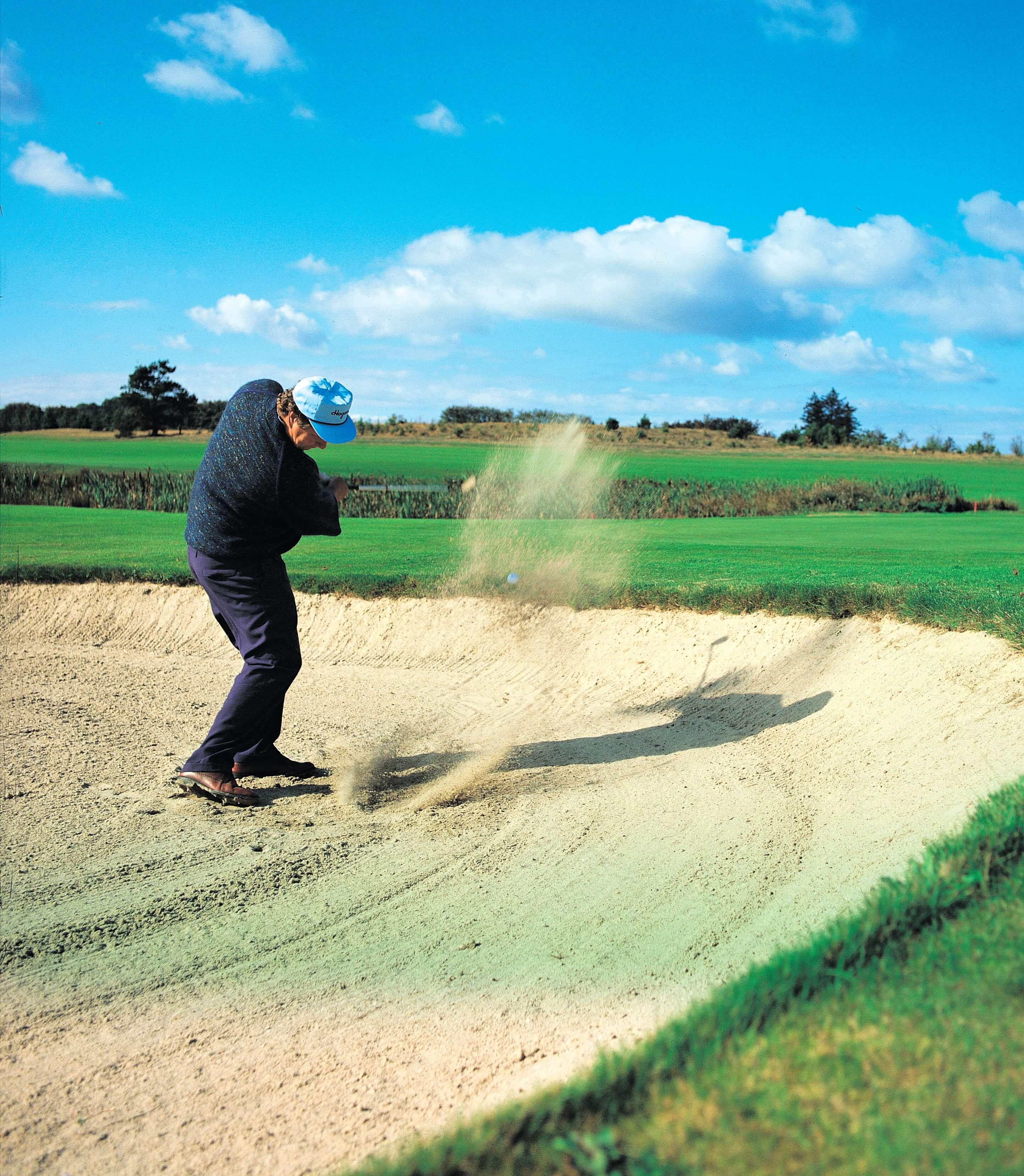 Golfbane, spiller i bunker